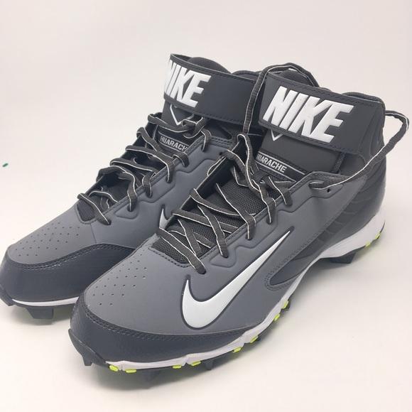 3dad4b25e19e8c NWOT Nike Huarache Baseball Cleats. M 5b27ead6fe51514079c6714b